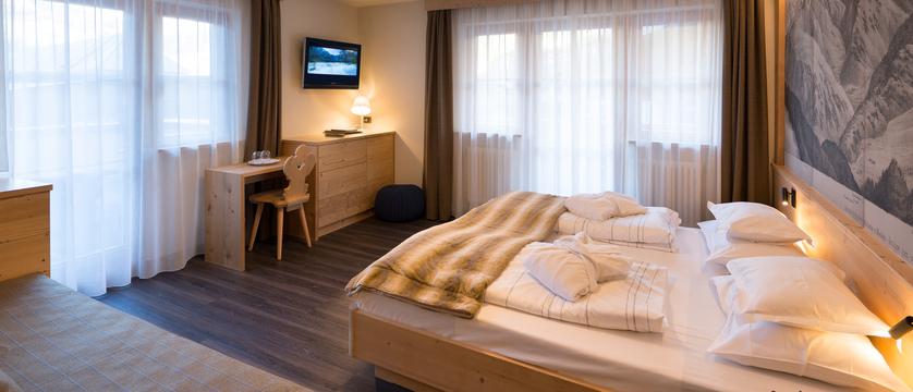 italy_dolomites_selva_hotel-somont_bedroom.jpg